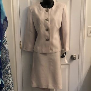 Evan-Picone Cream Dress Suit Size 10 with tags
